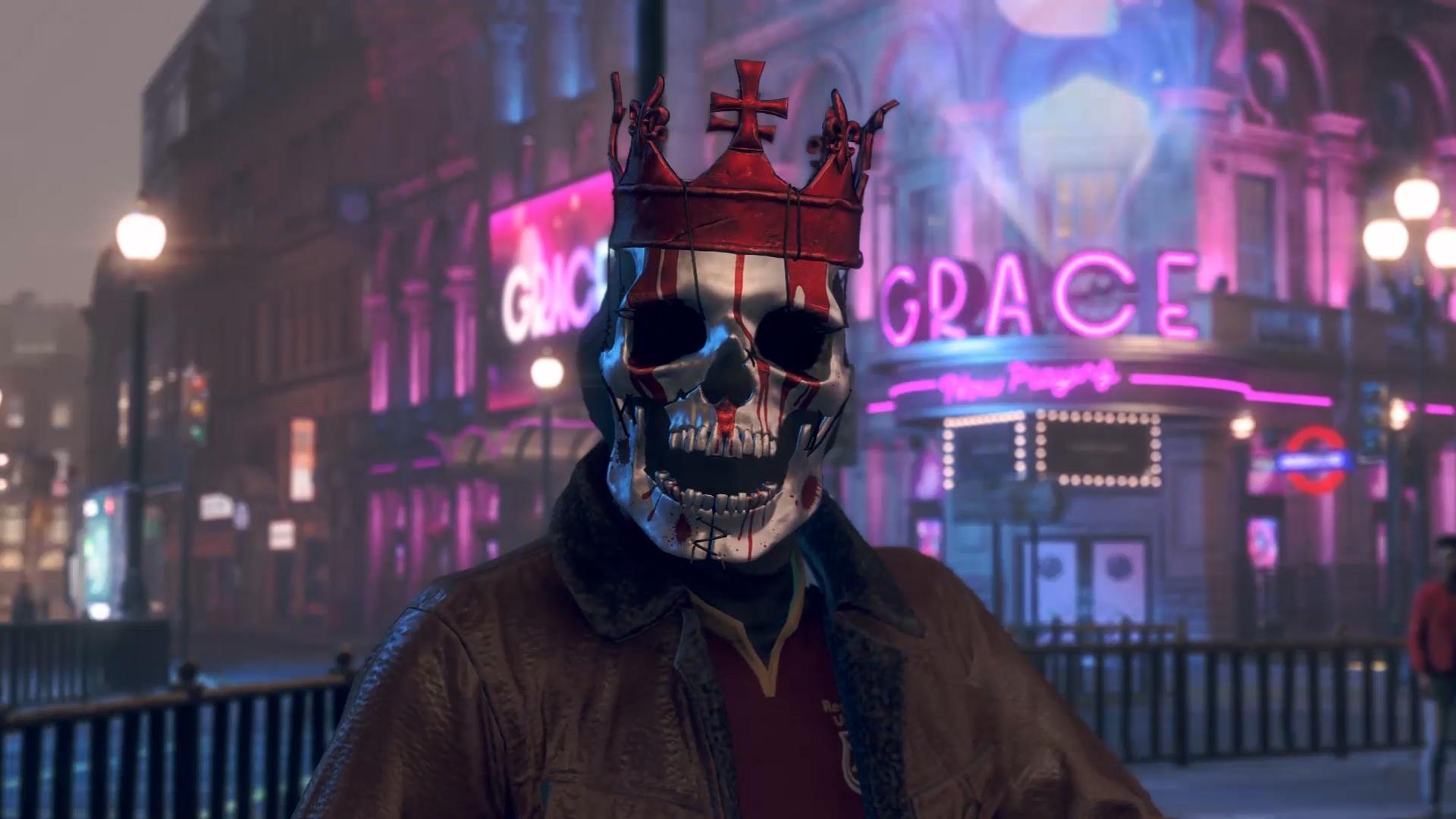 夜晚的城市,背景是带有粉红色霓虹灯的城市建筑,主角是一名戴着骷髅头面具的人。